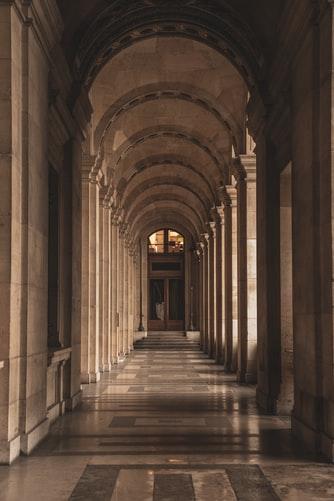 建物の廊下